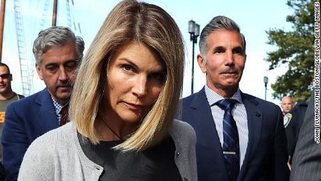 Lori Loughlin and Mossimo Giannulli agree to plead guilty to the university admission scam