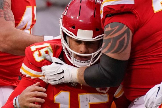 Browns 'Miles Jarrett denies that his team-mates were looking for talent amid Patrick Mahomes' injury.